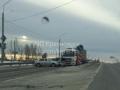 Столкнувшиеся автомобили перекрыли трассу