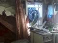 Под Сосновоборском автоледи въехала на Toyota в окно жилого дома